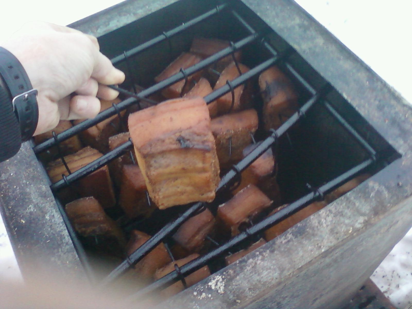 Коптильня для свинины своими руками