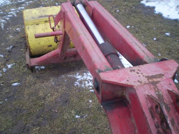 Мтз-82 с куном и отвалом в городе Боровичах. Цена 400 рублей