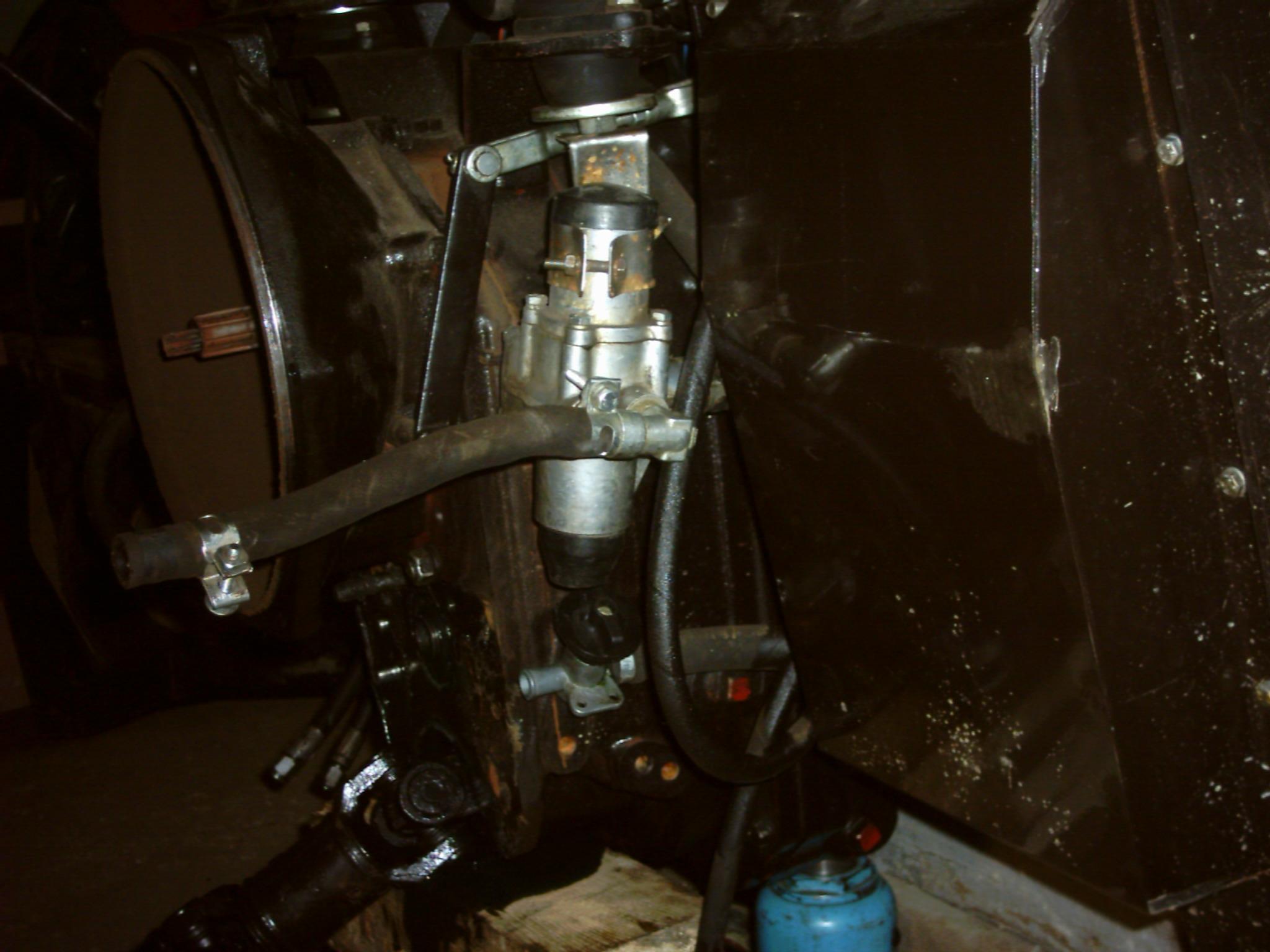 МТЗ-320 буксует сцепление, кому-то доводилось.